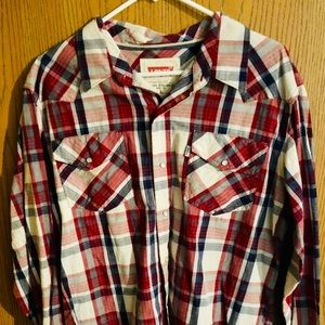 Levi's button down shirt gently used